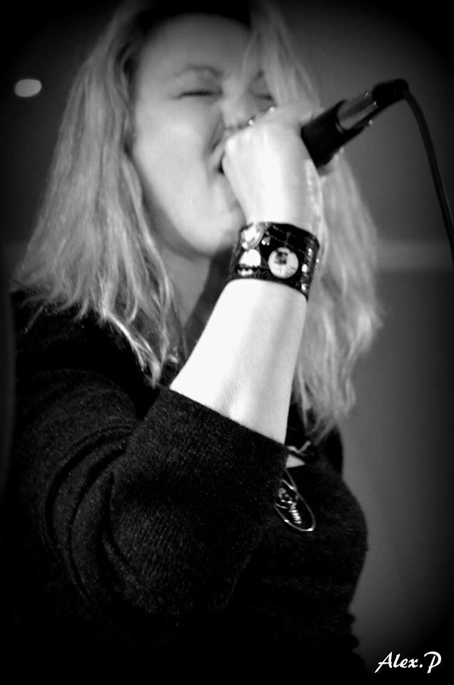 Nathalie Saprani : Vocals